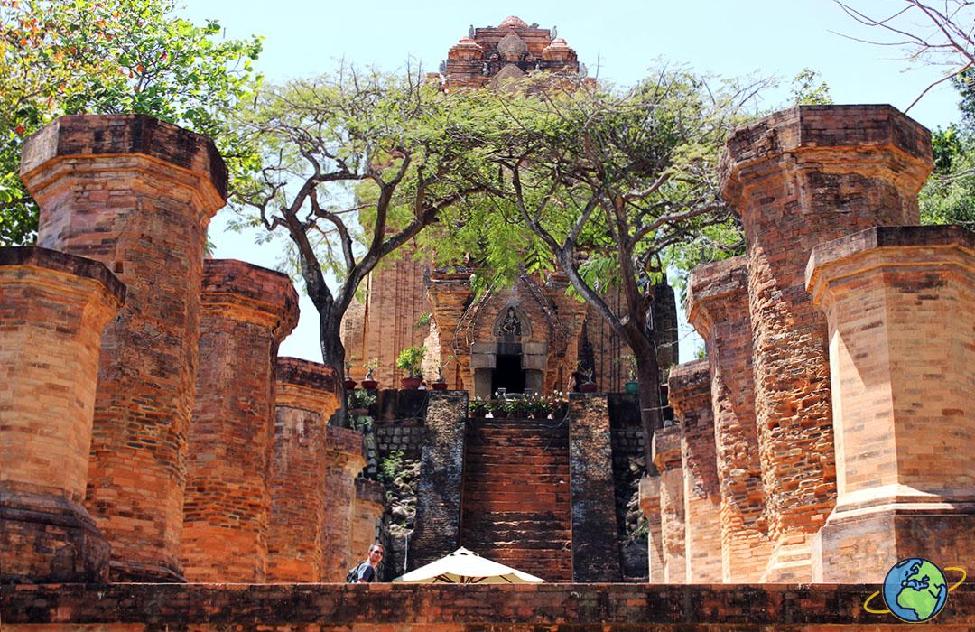 Храмовый комплекс Понагар