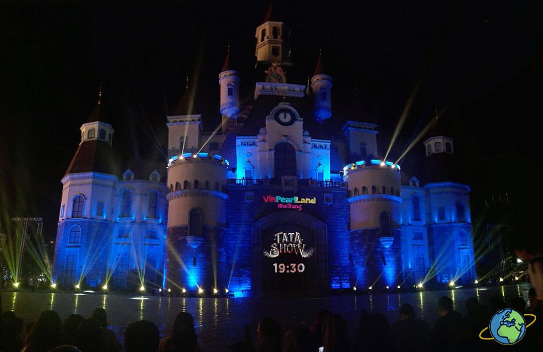 Сказочный замок Шоу Тата